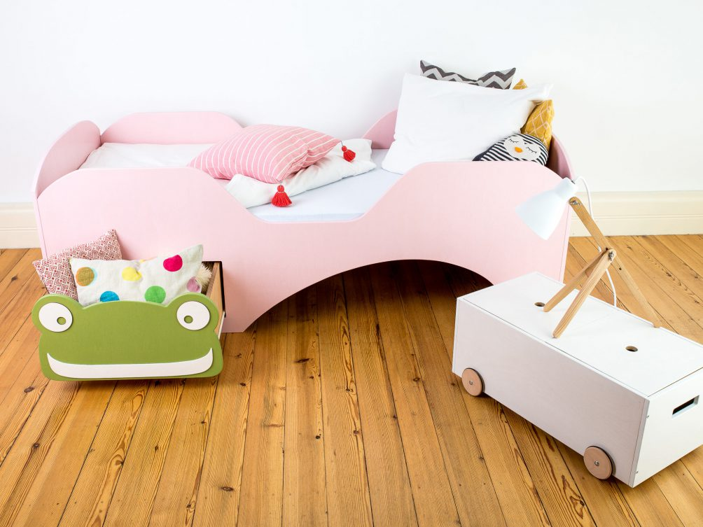 kinderbett frosch 200x90cm lutki kinderbetten aus deutschland. Black Bedroom Furniture Sets. Home Design Ideas